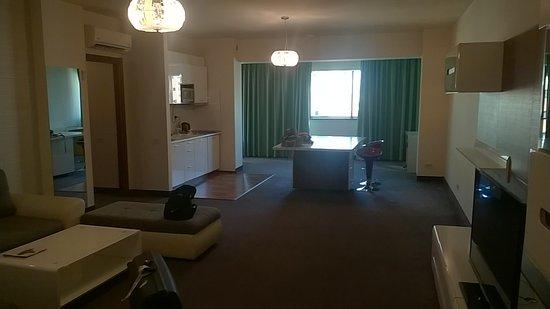 soggiorno con angolo cottura - Picture of Orhideea Residence ...