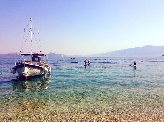 Nidri, Greece: clear calm water