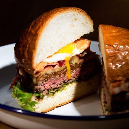 Marktredwitz, Almanya: BAROS Burger: Down Under Deluxe Burger