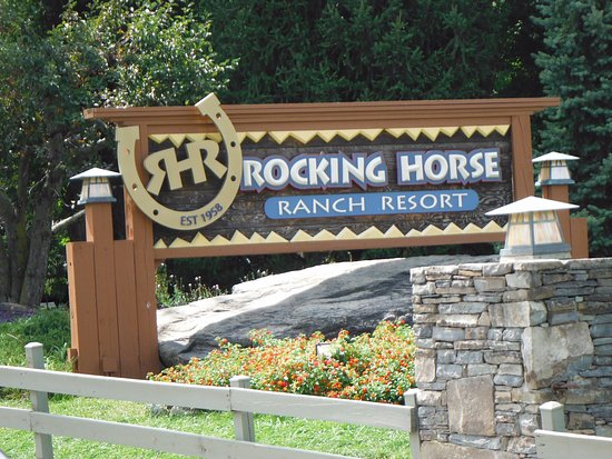 Rocking Horse Ranch Resort: Entrance