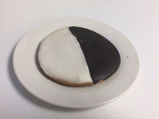 Bunnell, FL: Black & White Cookie