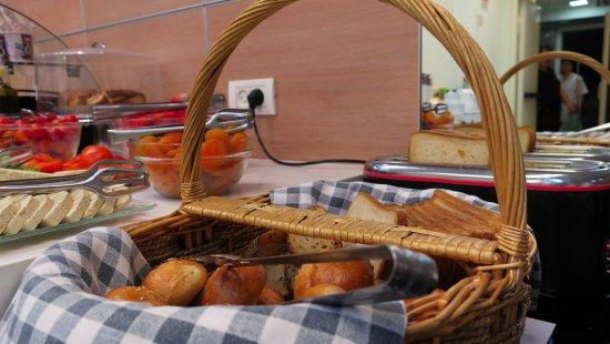 Armon Hayarkon: Завтрак