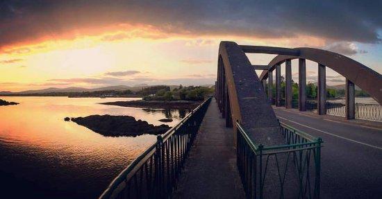 Kenmare Fáilte Hostel: Suspension Bridge Kenmare Pier