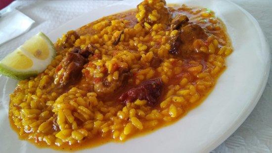 Banos y Mendigo, Espanha: arroz con costillas