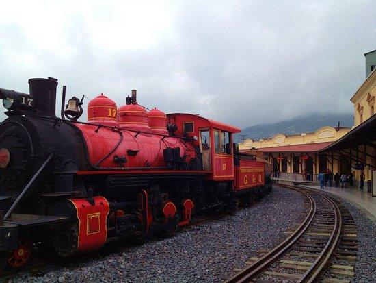 Tren Ecuador: Salida de Quito
