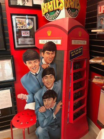 Dunedin, FL: Great photo op with Beatles phone box