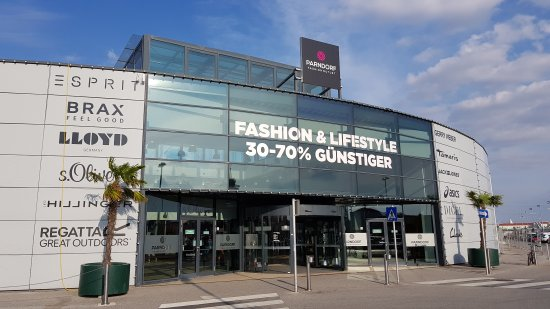 Fashion Outlet Parndorf - Picture of Fashion Outlet Parndorf ... f7271bb2a3c