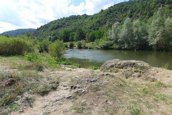Vorey, France : Une vue sauvage et imprenable