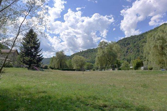 Vorey, France : Un camping 100ù nature avec de grands espaces