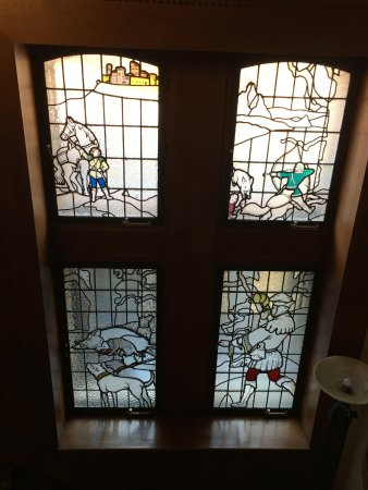 Hotel Castillo El Collado : Stained glass window in the hotel