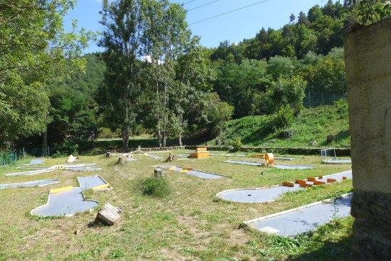 Vorey, France : Mini golf gratuit pour les campeurs