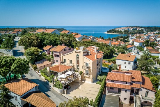 Hotel valsabbion pula croatia istria reviews for Boutique hotel oasi pula