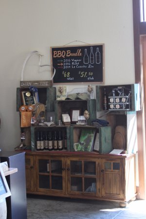 Cloverdale, CA: Join the wine club