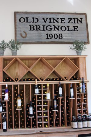 Cloverdale, CA: wine to choose from