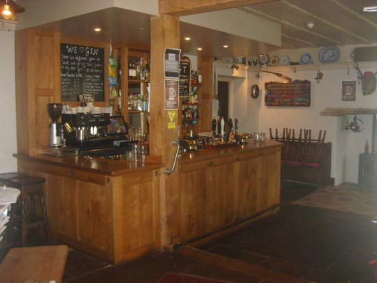 Ashprington, UK: bar area