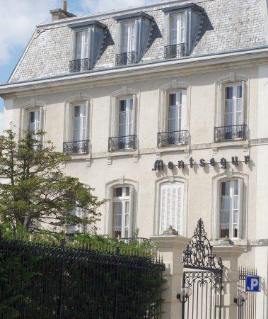 Hotel Montsegur : Façade de l'hôtel Montségur