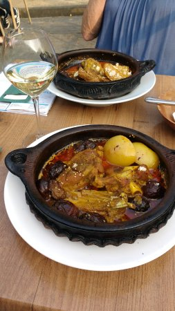 RONDA : Stoofgerecht met lamsvlees en pruimen
