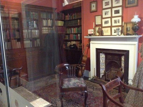 Dorset County Museum: Thomas Hardy display