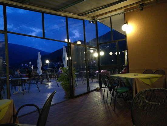 Hotel Ristorante Pizzeria Bar Miramonti: TA_IMG_20170828_202429_large.jpg