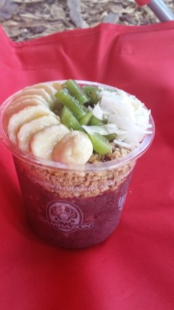 Haleiwa Bowls: I had the kiwi added, but it was not needed