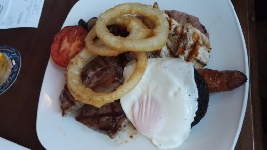 The Captain's Table at the Ship Inn: Mixed grill