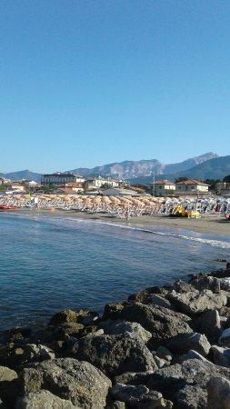 Bagno italia marina di massa italien anmeldelser for Bagno unione marina di carrara