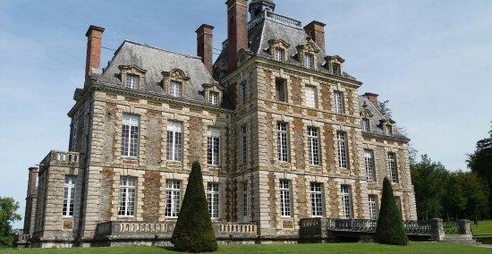 Balleroy, Frankrike: Vue arrière du Chateau