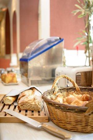 Logis Le Relais de Fusies: buffet pt dej