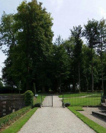 Balleroy, Frankrig: Vue vers le parc