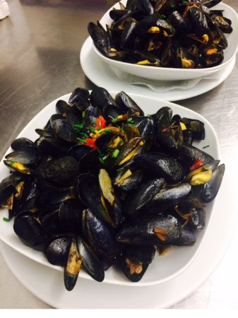 Orthez, France: Moules
