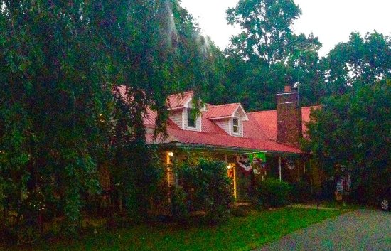 Cana, VA: Evening view of the front entrance.