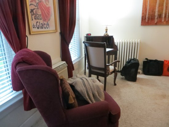 The St. Mary's Inn, Bed and Breakfast: A little extra seating is always nice