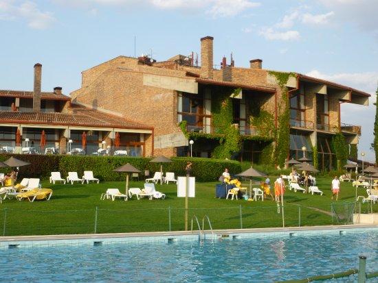 Parador de segovia seg via 717 fotos compara o de for Hotel piscina segovia