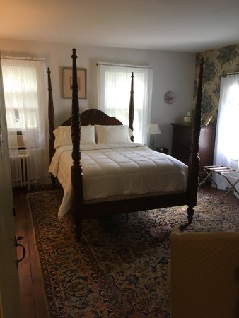 Northfield, MA: The Sturbridge Queen room