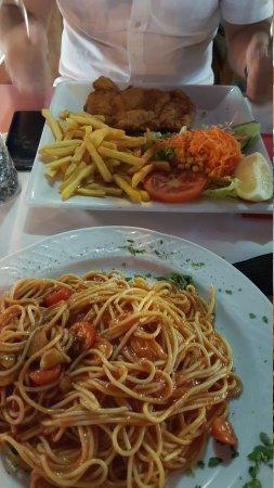 El Pescador 11 Restaurant: 20170828_220052_large.jpg
