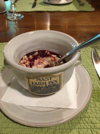 Valle Crucis, NC: Creamy oatmeal with fruit topping