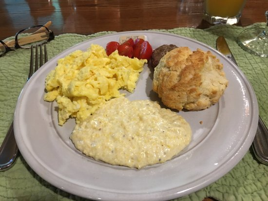 Valle Crucis, Kuzey Carolina: Mouth watering, tummy filling breakfast