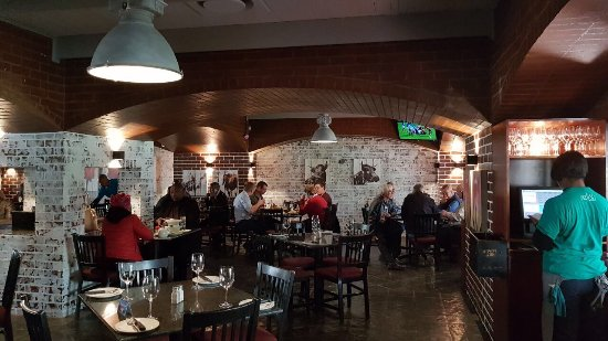 Dros Hatfield Restaurant: Relish Bistro is now on this site. The same people who has been here for 18 years. Great food, e
