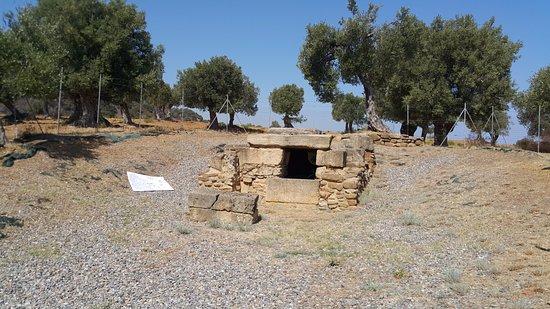 Tomba Bretia Cariati: la  tomba
