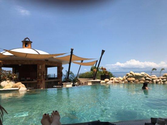 Garza Blanca Preserve, Resort & Spa: In august