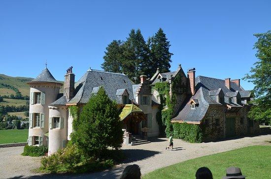 Château Martine 7 décembre - bravo Ajonc - Page 2 Le-chateau