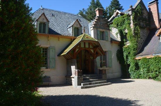 Dienne, Francja: Une des entrées du Chateau