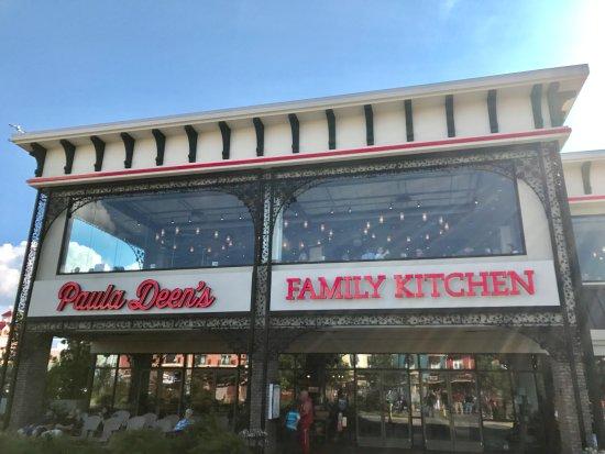 Paula Deen's Family Kitchen: The restaurant's exterior
