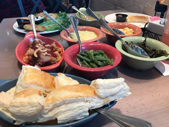 Paula Deen's Family Kitchen: All this food for one person! Woah!