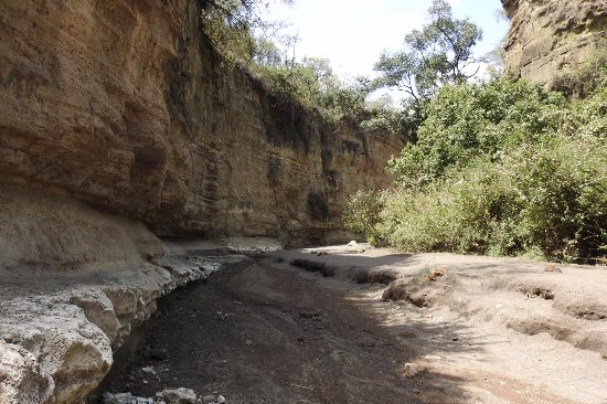 Hell's Gate National Park: made it into the gorge