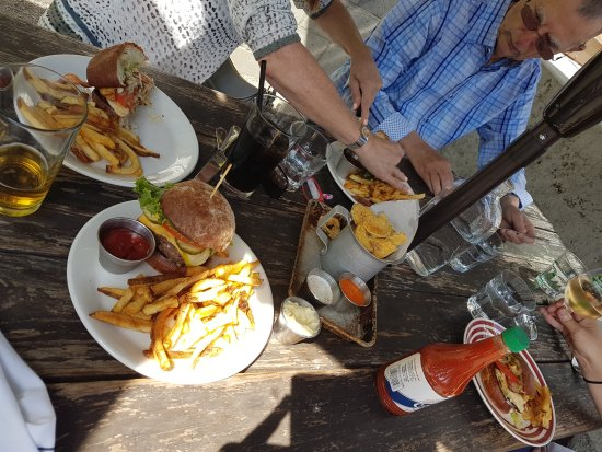 The Hollywood Tavern : our food!