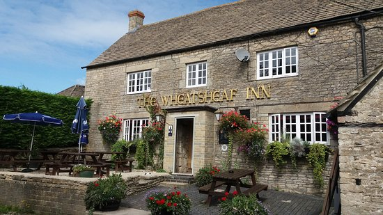 The Wheatsheaf at Oaksey: The Wheatsheaf Inn, Oaksey