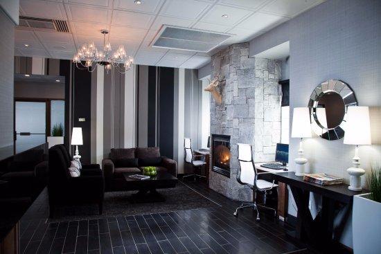 Sandman Hotel Revelstoke: Lobby