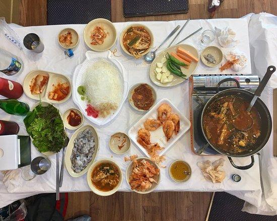 Small Group Korean Night Food Tour