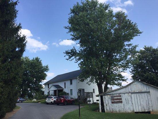 Staunton, VA: The barn where we stayed.